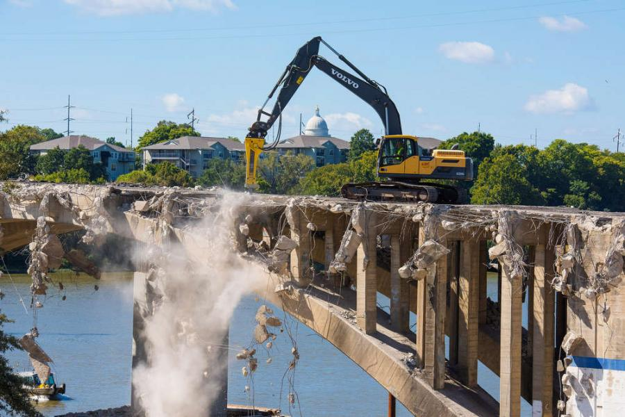 Demo of broadway bridge a 39 show stopper 39 construction for Show stopper equipment