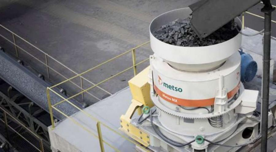 The key benefit of the Metso multi-action technology is the easy under-load setting adjustment and wear compensation without having to stop the process
