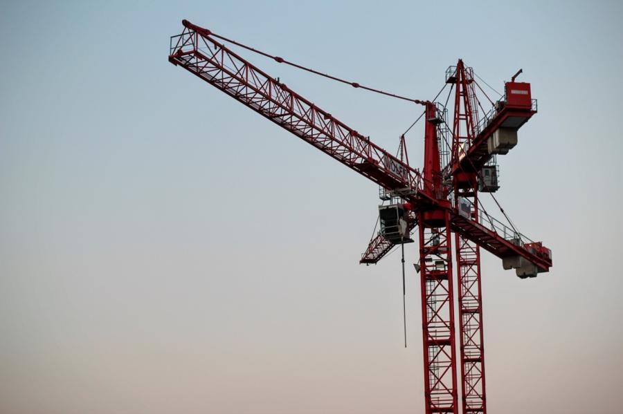 Crane tower cameras are best used in the construction of high-rise office buildings and commercial skyscrapers.