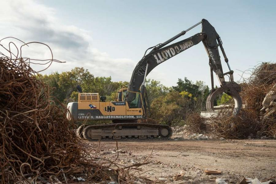 A fleet of Volvo demolition excavators has helped develop Lloyd D. Nabors Demolition into a leading Texan specialist.