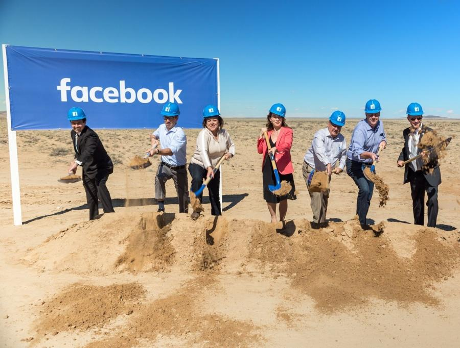 City and state officials at the groundbreaking of the New Mexico data center. (datacenterdynamics.com photo)