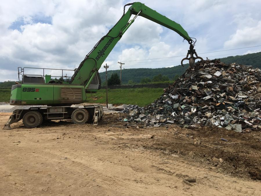 The RMG Roane Metals Group operator uses a Sennebogen 835E in the yard.