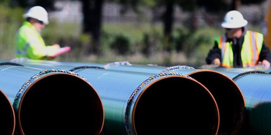 Crews of about 450 union skilled trades workers from Consumers Energy and construction contractor Welded Construction are removing 78 miles of 12- and 16-inch pipeline dating to the 1940s and installing a new 24-inch pipeline.