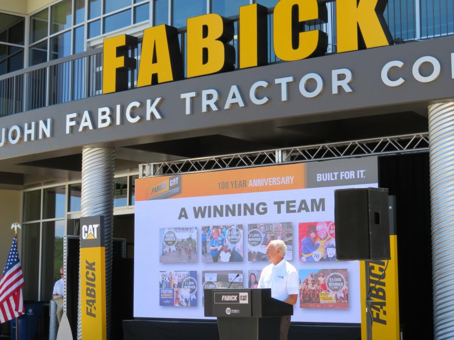 Craig McArton, executive vice president and COO of Fabick Cat, thanks the customers and employees of Fabick Cat for attending.