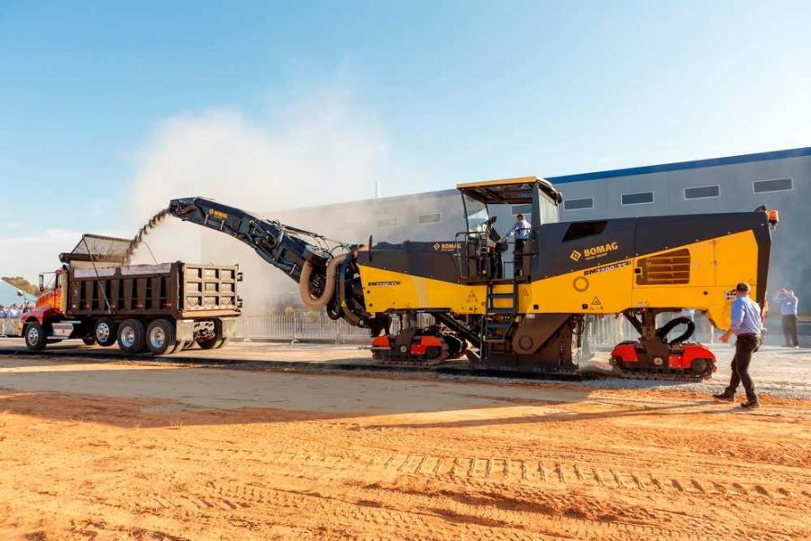 Offering a range of quick-change milling drums options and efficient transition of engine to milling power, this largest cold mill in the Bomag product line is ideally suited for high performance applications such as major county roads, highways, interstates and airports.