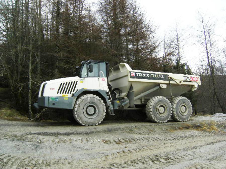Mining contractor Barhaul has purchased a new 30.8 ton (28 t) capacity TA300 articulated dump truck, for use in a barite mine near Aberfeldy in Perthshire, Scotland.