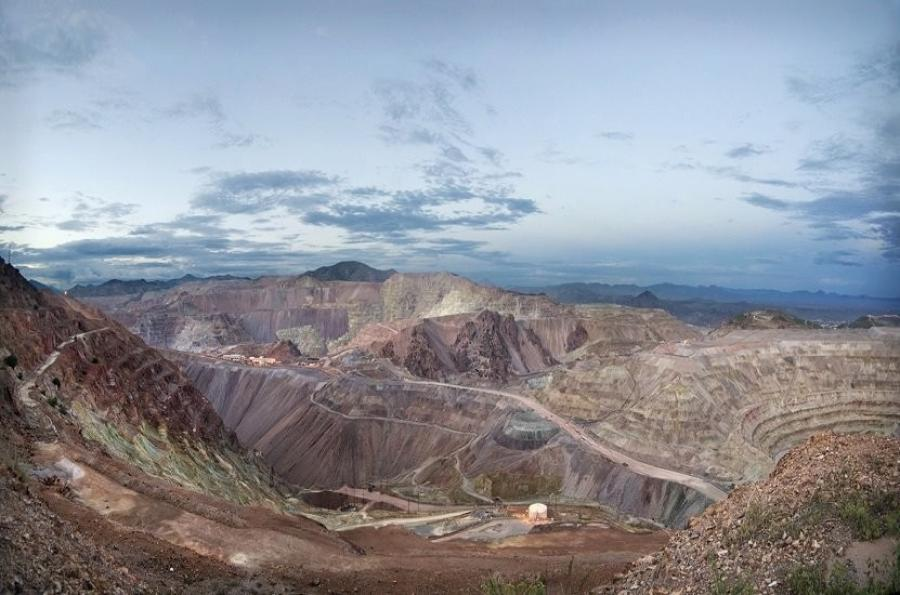Fluor Corporation announced Sept. 25, that its joint venture team was awarded an engineering, procurement and construction contract for BHP's Spence Growth Option project at the Spence open-cut copper mine in northern Chile.