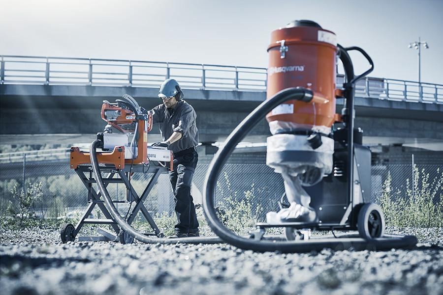 Masonry contractors know how much dust flies when dry cutting bricks and blocks. That is why Husqvarna has developed a new dry cutting vac attachment for our popular masonry saw, the MS 360 (available in both gas and electric versions).