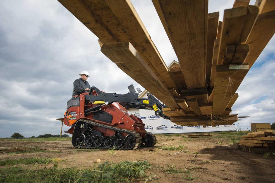 The SK1550 offers a 1,558-lb-rated operating capacity to lift heavier loads — more than 50 percent higher capacity than other mini skid steers in its size class, according to the manufacturer.