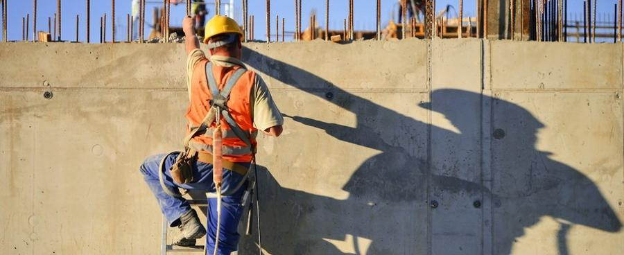 The two-year agreement will focus onstruck-by,falls,caught-in-betweenandelectricalhazards in the construction industry.