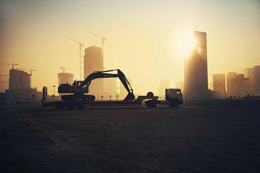 The arid desert north of Doha, Qatar was the second destination for the campaign, as over 240 Volvo machines worked tirelessly in temperatures of up to 50°C to build the new sustainable city of Lusail.