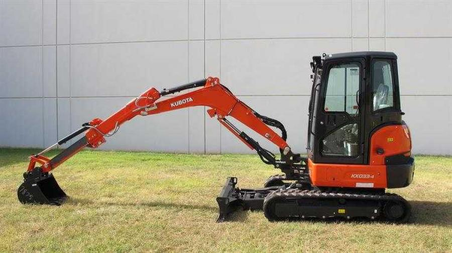 The new KX033-4 with an extendable dipper arm is a new configuration to the existing KX033-4 compact excavator within Kubota's KX Series.