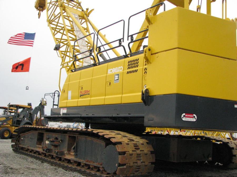 Bidders vied for this Kobelco CK1100G-2 crawler crane.