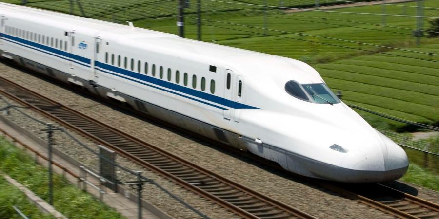 The Federal Railroad Administration's (FRA) analysis, completed after nearly four years of work, provides a path for the high-speed train's planning, design and pre-construction phases, and it ensures the safety and environmental wellbeing of counties and communities along the 240-mile route.