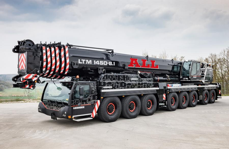 With a powerful 279-ft. (85 m) telescopic main boom and a full range of lattice jib attachments, this Liebherr AT can handle jobs at — and often above — its 500-ton (453 t)  capacity.