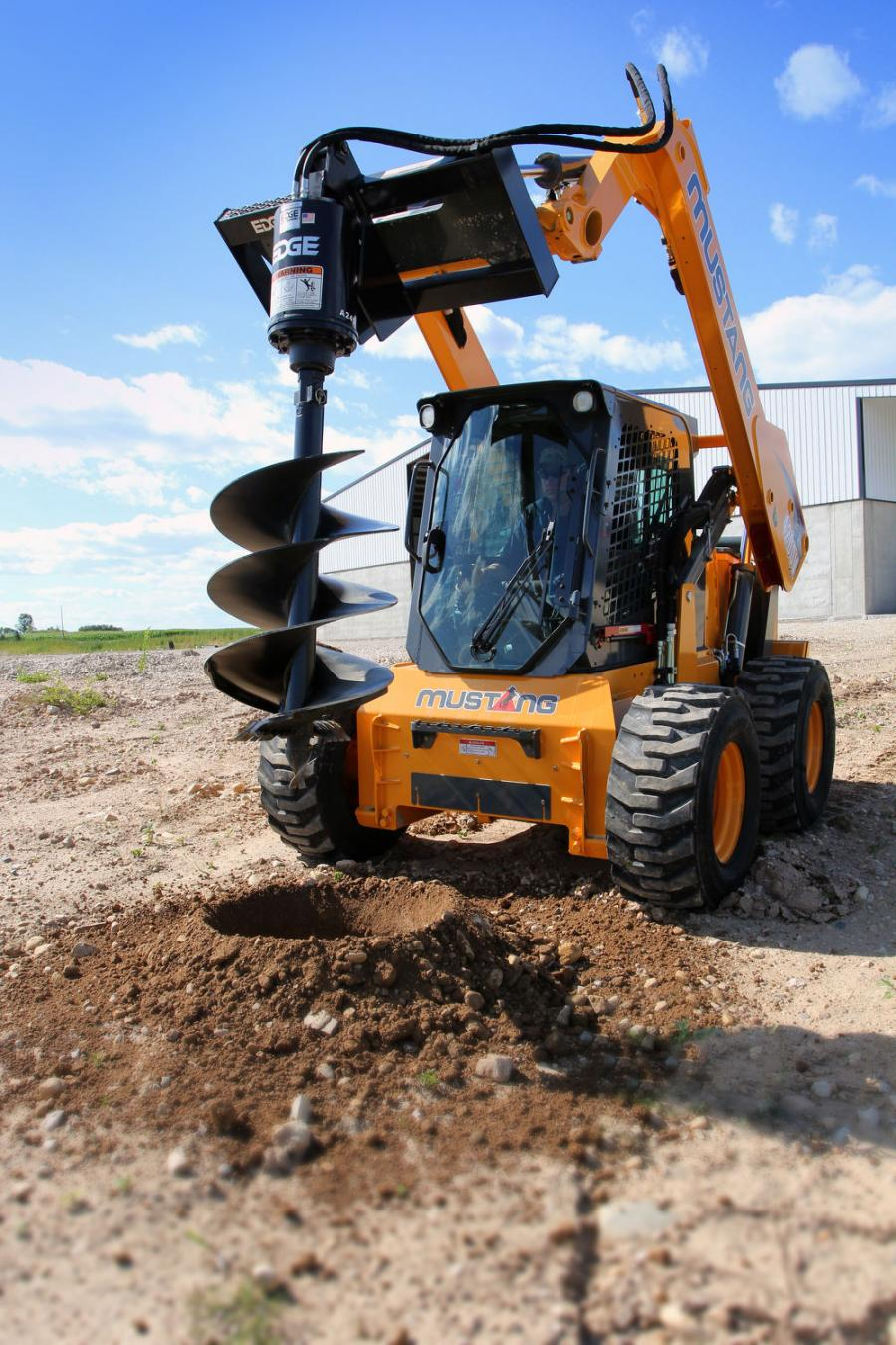 The 4200V skid steer is configured to be a true tool carrier — coming standard with the features needed to operate attachments such as mulching heads, cold planers, rock wheels and many more.