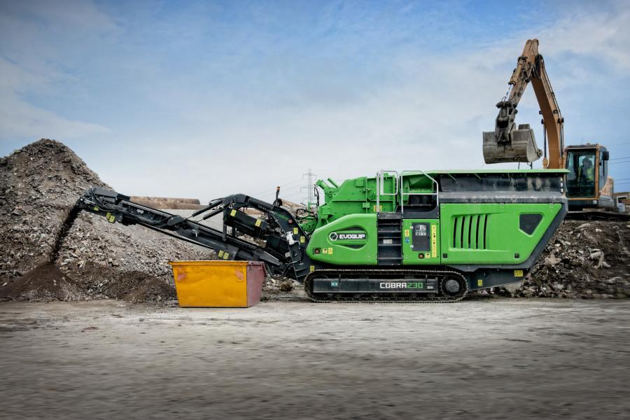 The Cobra 230 uses a fuel efficient and high performing direct drive system to power the impact crusher. This along with the two independent hydraulic controlled aprons allows the operator to optimize the material throughput and reduction while ensuring the best fuel efficiency.