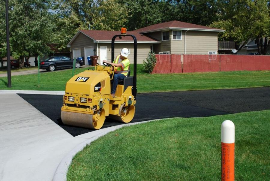 Typical applications include: bike paths, courtyards, patchwork, parking lots, driveways, town centers and shoulder work.