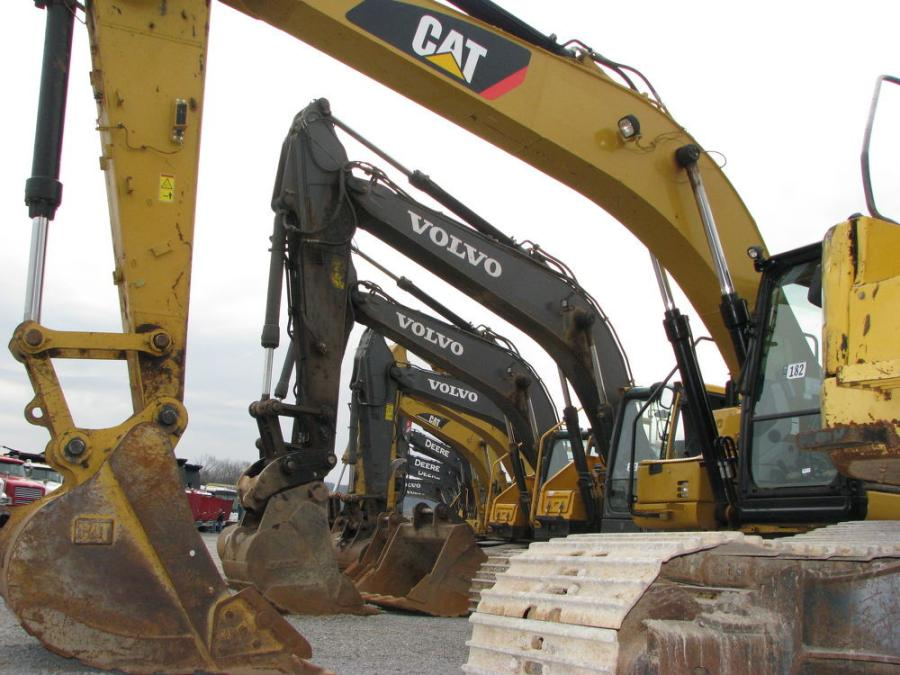 A terrific lineup of excavators were available to bidders during the auction.