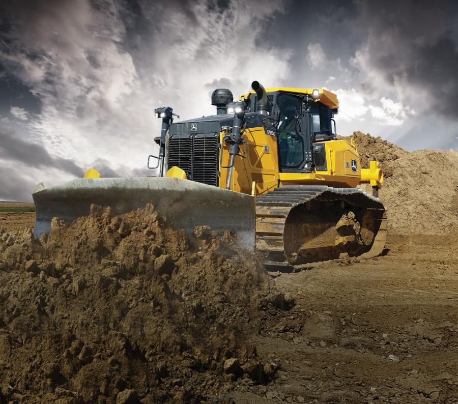 The 950K PAT SmartGrade dozer incorporates an EPA Final Tier IV/EU Stage IV John Deere 9.0-liter (549-cubic inch) engine with 280 hp (209 kW).