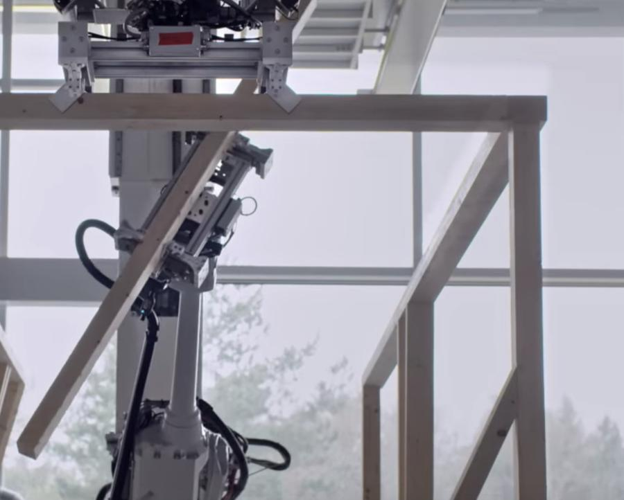The combination of timber frame construction and the quick and precise work of robots provides the opportunity for speedy assembly of intricate timber modules right on the construction site, Dezeen reported.
