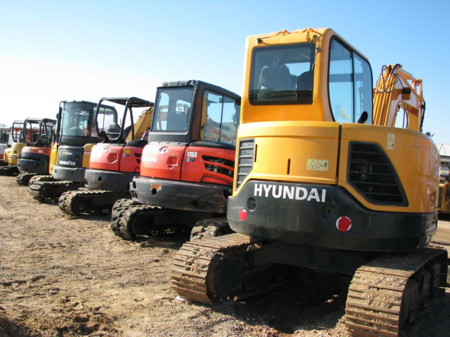 This sale featured a great line-up of mini-excavators and compact equipment.