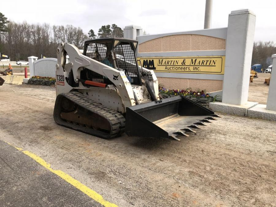 This low-hour Bobcat T320 compact track loader drew heavy bidding.