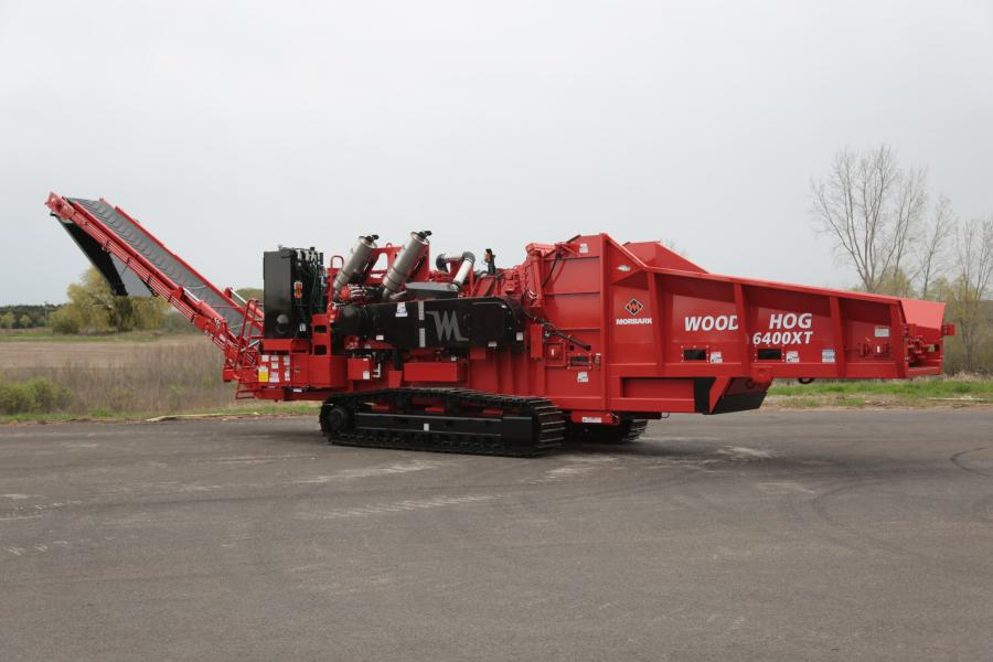 The 6400XT includes many feature improvements present in the smaller 3400XT, introduced last year. The infeed bed is 24 in. (60.96 cm) longer than previous Morbark grinders in the 1,000-plus horsepower range and has sloped sides.