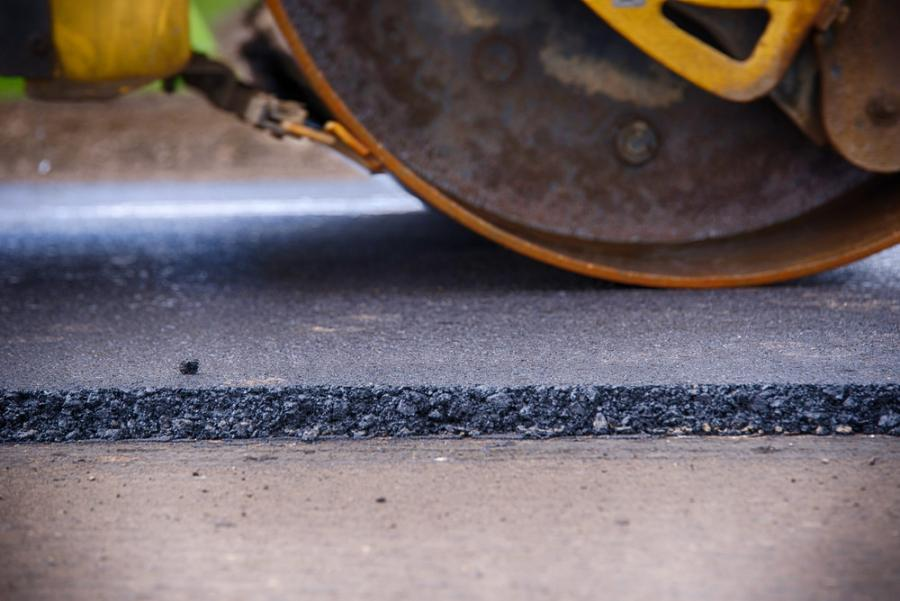 The project on Interstate 15 will reconstruct 8 mi. of pavement that has deteriorated