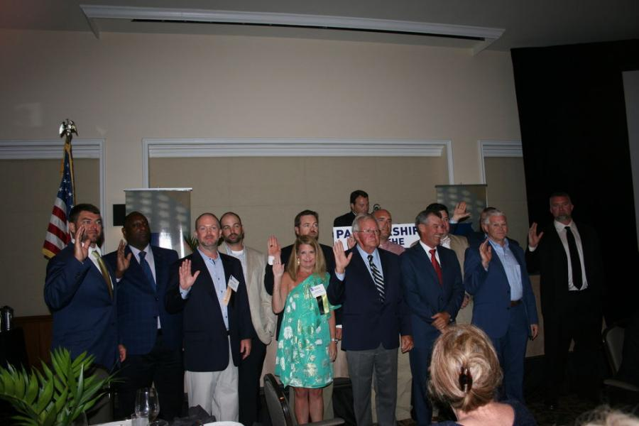 2018-2019 GUCA Board of Directors members take their oath of service at the 2018 GUCA Annual Conference.