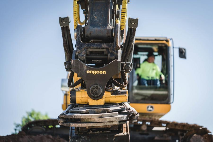 Contractor Boosts Productivity With engcon Tiltrotator
