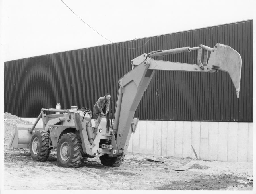 The Dynamic Dynahoe! | Construction Equipment Guide