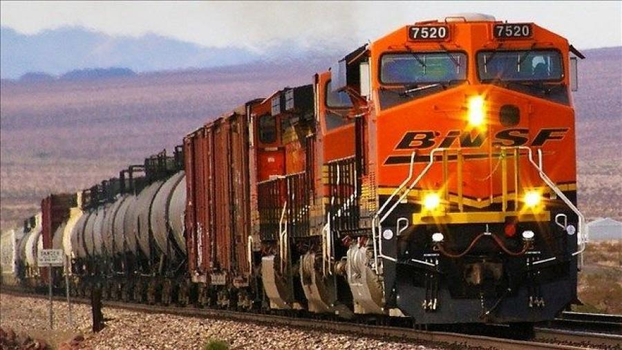 BNSF Railway has received approval to to build a second railroad bridge in northern Idaho. (Ron Reiring/CC BY 2.0 photo)