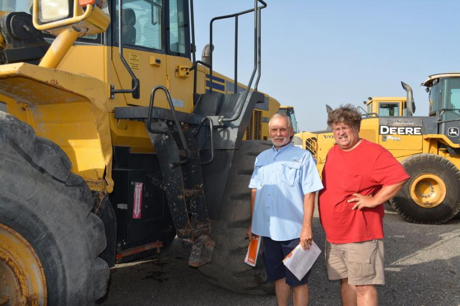 Alan Neal (L) and Jimmy Hutton of 5 Stone Products in Wedowee, Ala., were looking for a wheel loader and the Komatsu WA480 would fill their needs perfectly.
