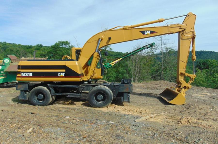 Customers can view this Cat M318 wheeled excavator.