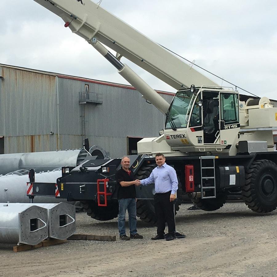 Ernst Müller (L), Galvaswiss maintenance manager, and Christian Kassner, Terex Cranes senior sales manager.