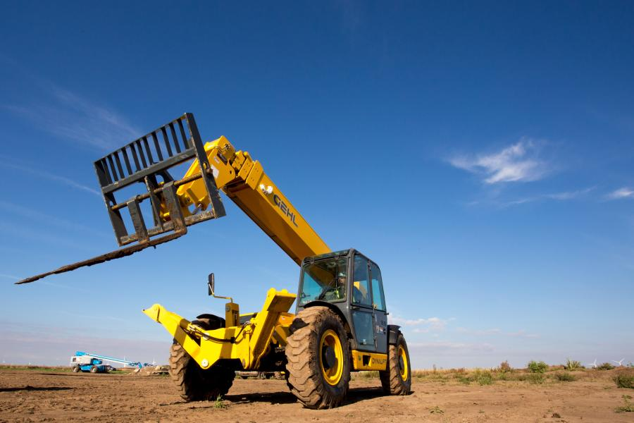 The new Gehl DL GEN:3 Series includes four telescopic handler models with maximum lift capacities from 11,000 to 12,000 lbs. (4,990 to 5,443 kg) and maximum lift heights from 40 ft. 4 in. to 55 ft. 5 in. (12.2 to 16.8 m).