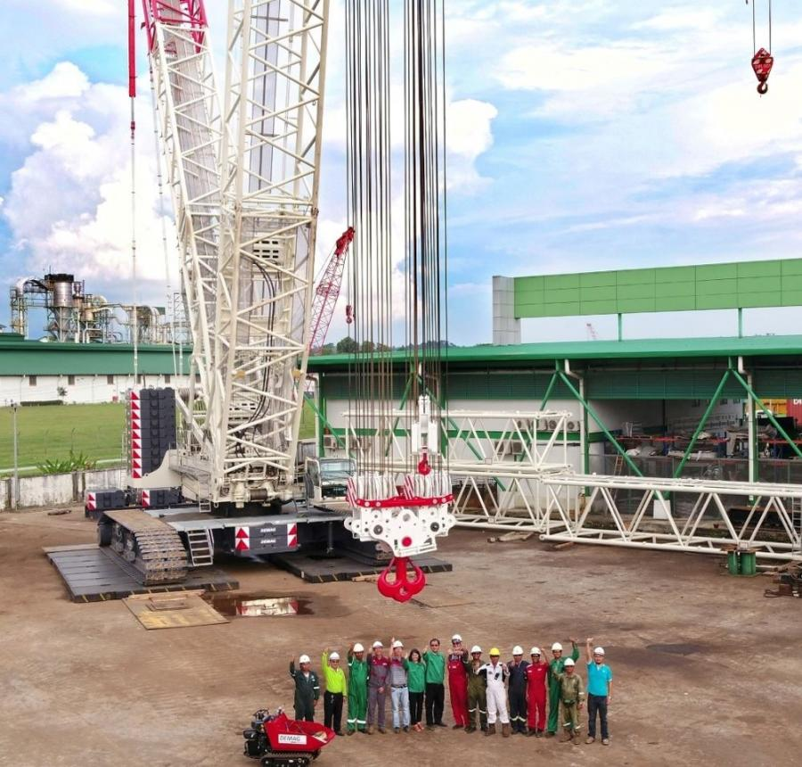 The Demag CC 3800-1 crawler crane can lift up to 715 tons (650 t) at a 39.4 ft. (12 m) radius, has a max load moment of 9,352 ton (8,484 t) and a 640 ft. (195 m) maximum tip/sheave height.
