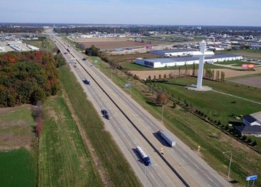 IDOT is seeking ideas on how private firms and other interested parties can invest and partner with IDOT on modernizing and maintaining more than 30,000 light poles, some of which are more than 40 years old. (Illinois DOT photo)