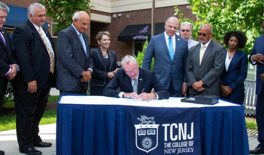 Gov. Phil Murphy signed bipartisan legislation to further foster economic growth in New Jersey. (Governor's Office/Edwin J. Torres photo)