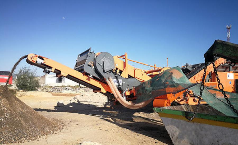 The new Rockster wind sifter RVB1700 in use by a customer in Portugal.