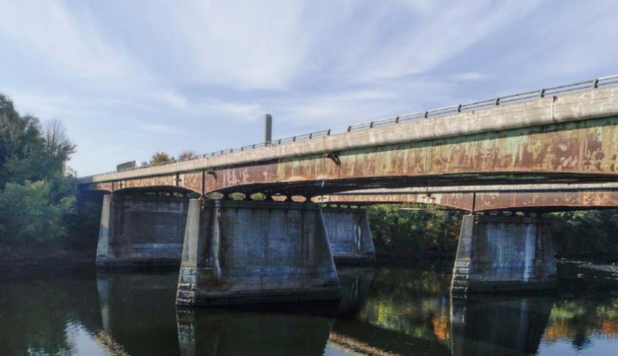 Overnight work on the $102 million project to replace the bridges that carry traffic on I-495 over the Merrimack River in Haverhill began on Sept 10. (MassDOT photo)