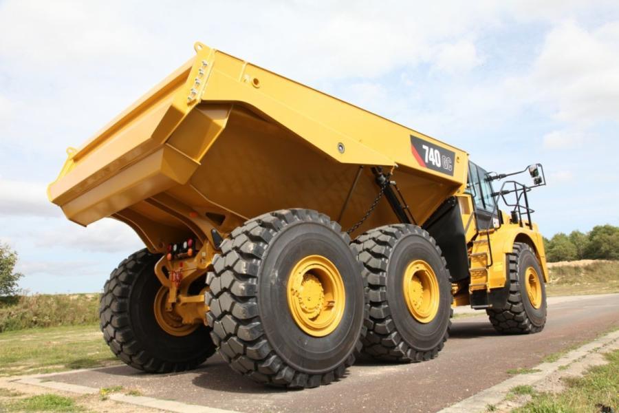 Cat 740 GC Expands Articulated Truck Lineup | Construction