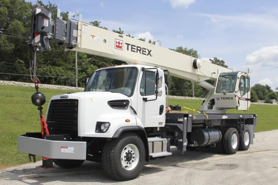 The recent order includes two Terex BT 5092, two Terex RS 70100 and one Terex BT 70100 boom truck cranes.