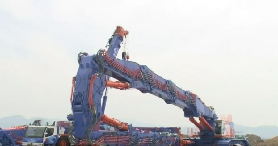 Have you ever seen a monster machine this big?