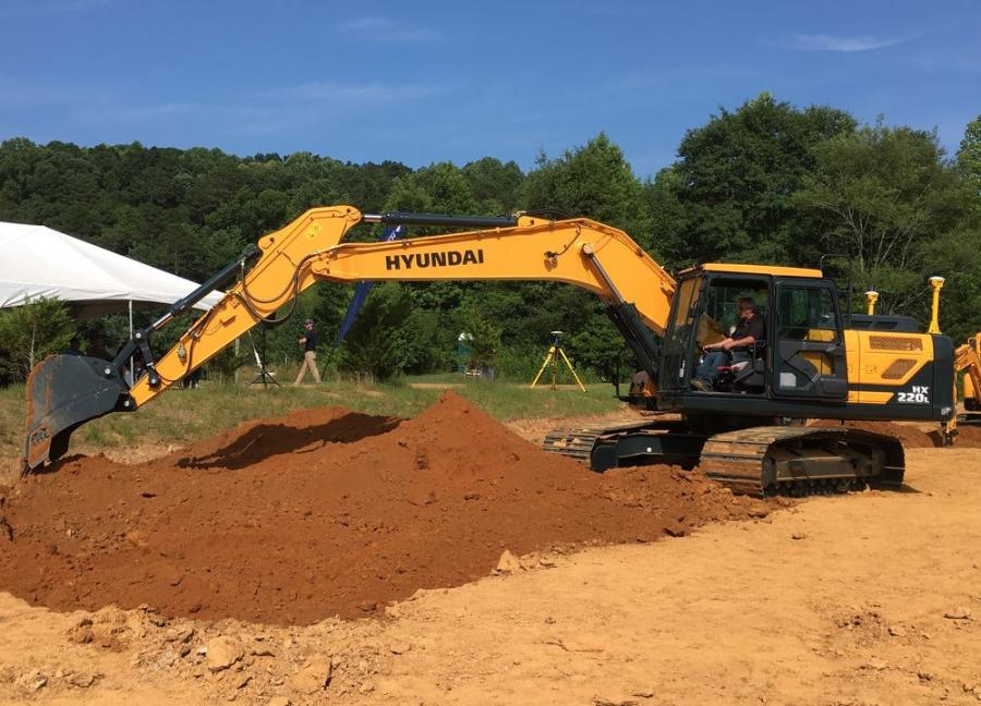 The Trimble Ready Hyundai HX220L excavator with the Trimble Earthworks system will perform live outdoor demonstrations at the Trimble Dimensions Offsite Expo.