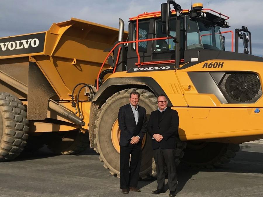 Tim Watters, (L), president of Hoffman Equipment, and Ryan Sherwood, vice president of retail development, Volvo CE.