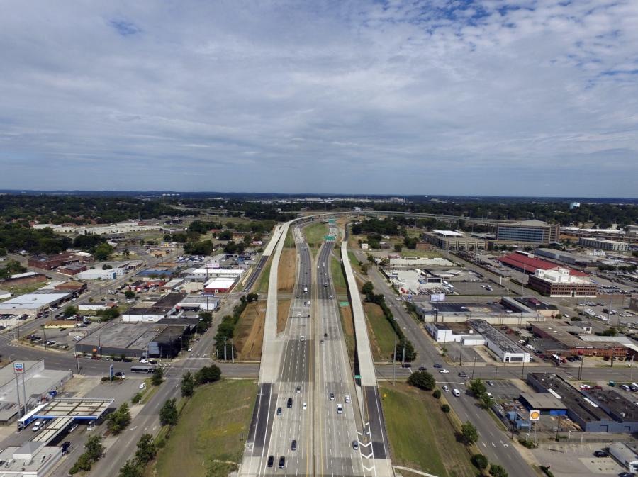 The Alabama DOT is rebuilding a 4.1-mi of stretch Birmingham's I-59/I-20/I-65 corridor, a crossroads that brings in traffic from as far away as Dallas and Atlanta.