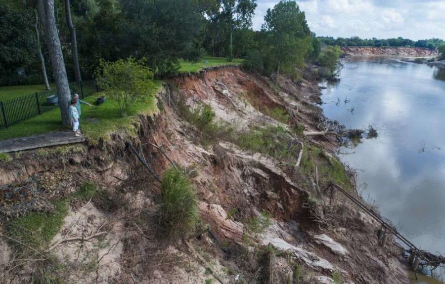 A feasibility study that will investigate erosion flood risks along the Brazos River.