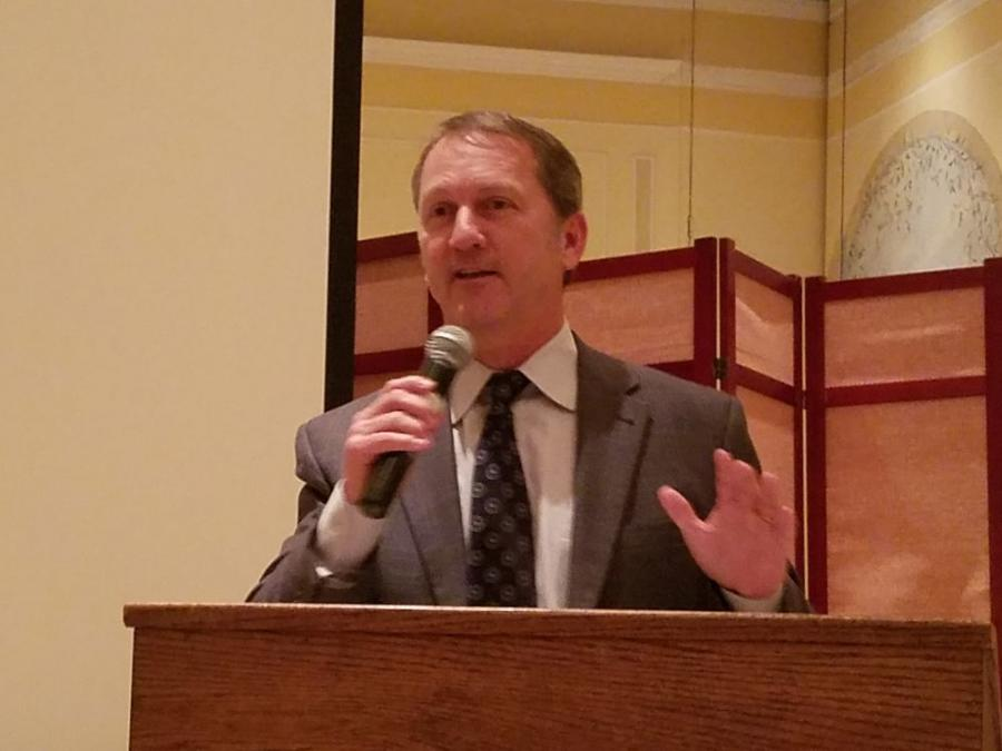 Former NFL wide receiver Don Beebe gives an inspirational talk about his journey through professional football.